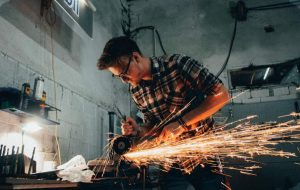 Frequently Asked Questions relating to Metal cutting with an angle grinder